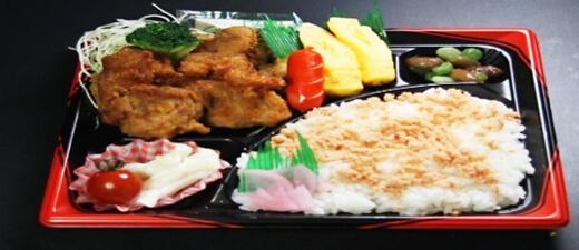 から揚げ弁当 700円(税込)